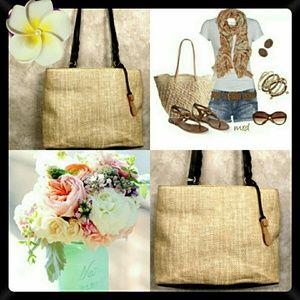 🥀🌸Etienne Aigner Straw Bag!🌸🥀
